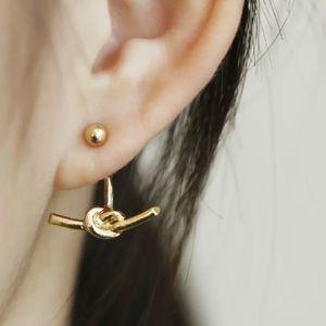 💋 Gold Knot Earrings